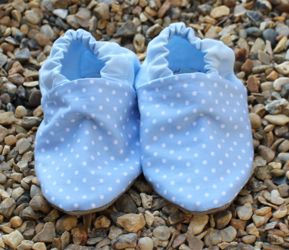 Baby Booties - Pale blue mini polka dots, 3-9 months