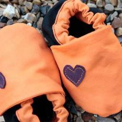 Baby booties, orange and black 3-9 months